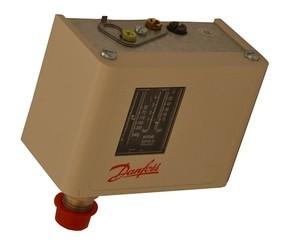 Tlakový spínač Danfoss KP 36 pro šroubový kompresor 14 bar