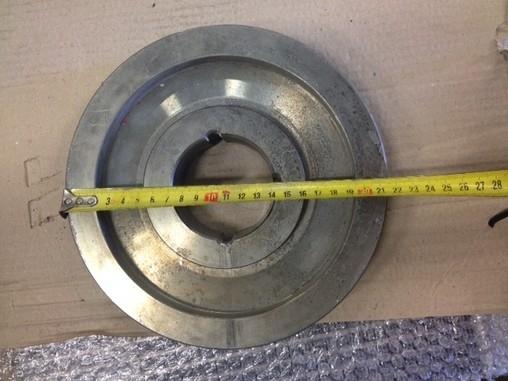 Řemenice průměr 215 mm (viz foto)