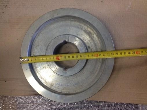 Řemenice průměr 245 mm (viz foto)